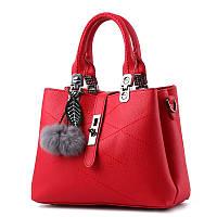 Красная женская сумка средней величины