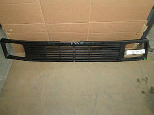 №73 Б/у Решетка радиатора для Mercedes-Benz M207-410 1977-1995 (дифект)