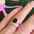 Серебряное брендовое кольцо с ониксои и золотом, фото 6