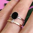Серебряное брендовое кольцо с ониксои и золотом, фото 2