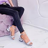 Босоножки женские серые эко кожа на каблуке 4 см, фото 5