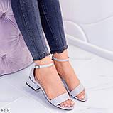 Босоножки женские серые эко кожа на каблуке 4 см, фото 4