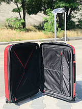Пластиковый чемодан из полипропилена средний красного цвета  Франция, фото 3