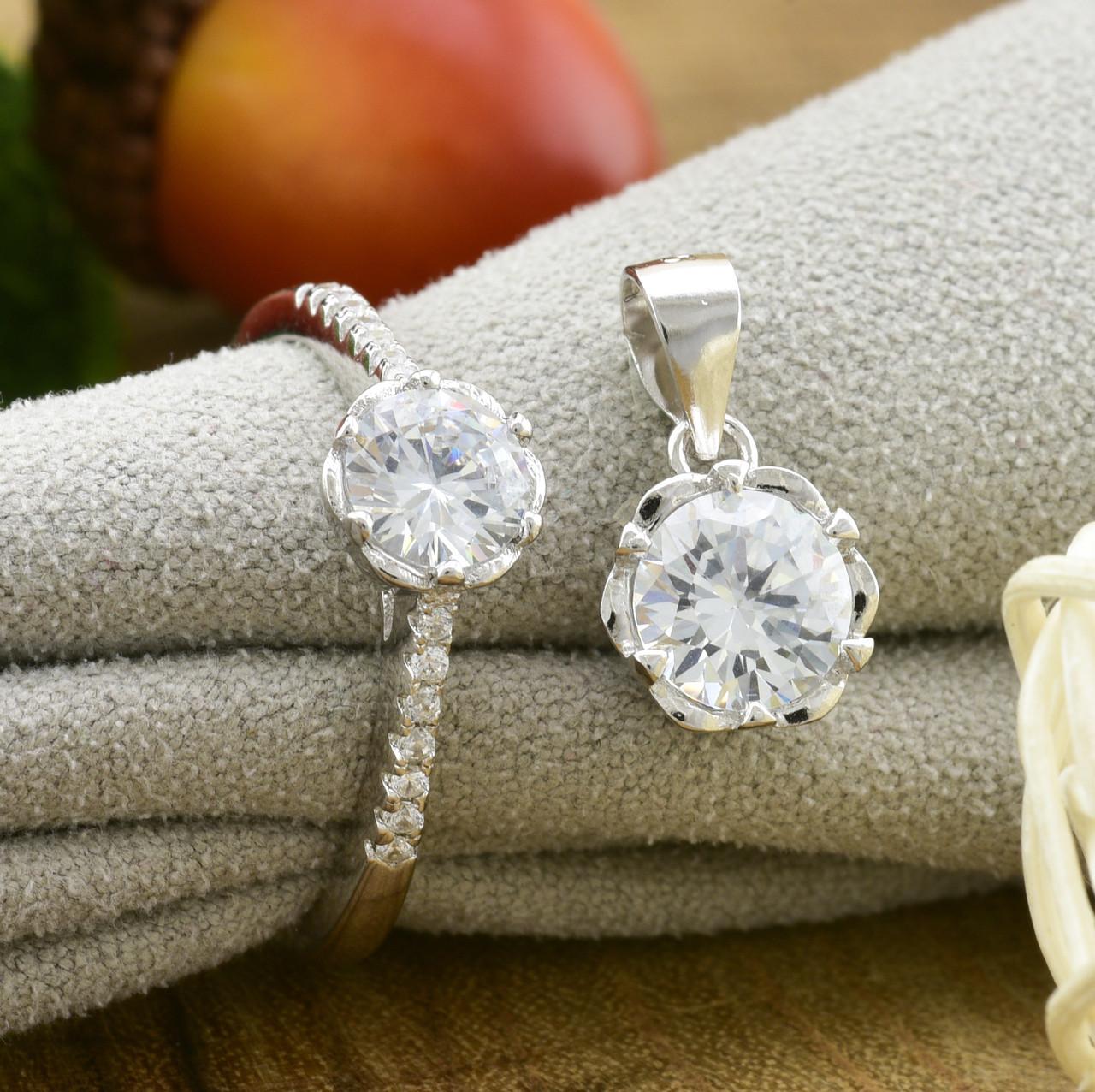 Серебряный набор ТС9510168н кольцо размер 18 + кулон 15х9 мм для цепочки шириной до 2 мм вставка белые фианиты