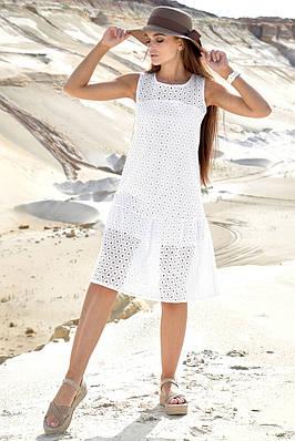 Легке біле жіноче літнє плаття
