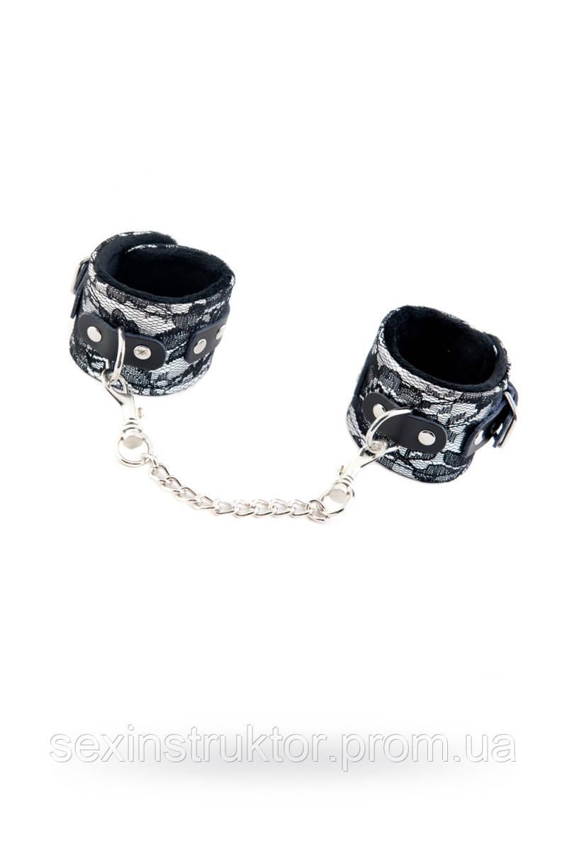 Кружевные наручники Toyfa Marcus, серебристый, 42 см.