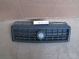 №89 Б/у Решетка радиатора для Fiat Doblò 2005-2010
