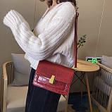 Женская классическая сумочка кросс-боди на ремешке через плечо рептилия крокодил питон красная, фото 5