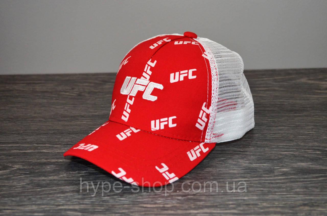 Кепка тракер красная UFC | Отличный выбор