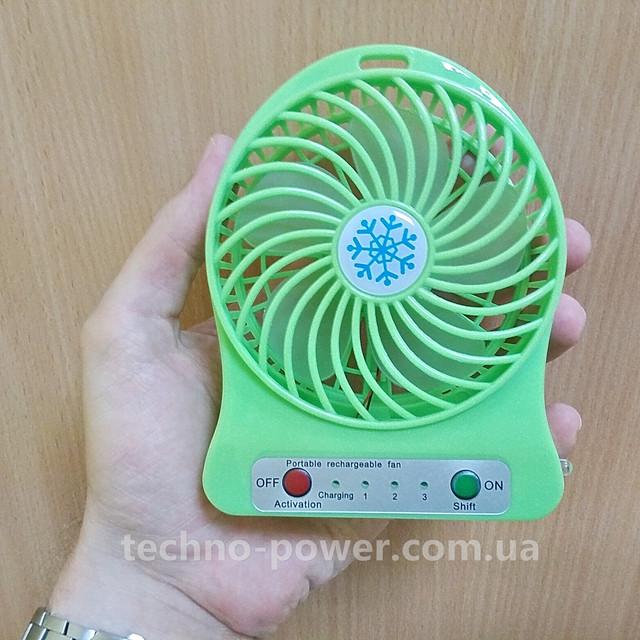 Настольный мини вентилятор XS-01 на аккумуляторе