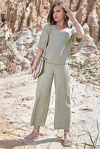 Летний женский костюм с укороченными брюками кюлотами