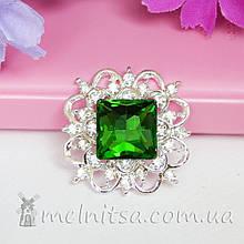Камень квадратный в ажурной оправе со стразами 3х3 см, зеленый