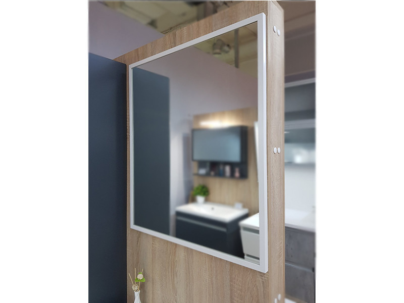 Зеркало в рамке 800х700