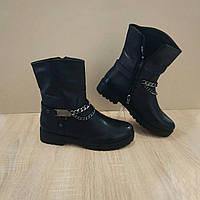 Стильные черные женские теплые ботинки полусапожки сапожки эко - кожа с цепью