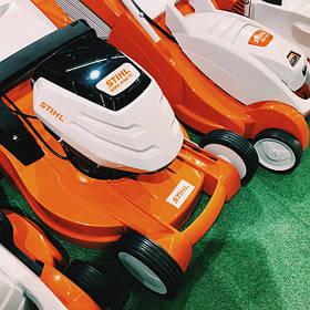 Газонокосилки, роботы и тракторы