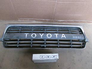 №100 Б/у Решетка радиатора 5311160100 для Toyota Land Cruiser 80 1990-1995