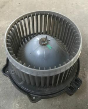 Моторчик печки с крыльчаткой POLCAR 4885475PC