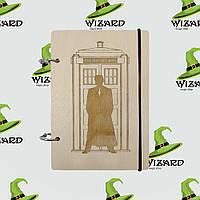 Деревянный блокнот А6 Доктор Кто (светлое дерево)