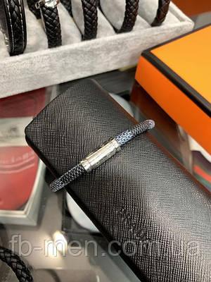 Браслет Louis Vuitton серого цвета на магните