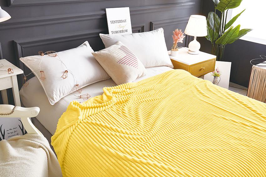 Плед покрывало 160х220 Желтый плюш полоска на кровать, диван