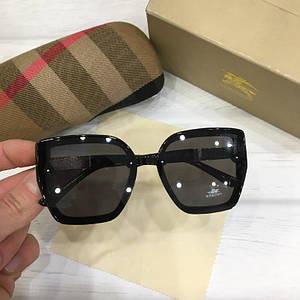 Женские солнцезащитные очки Burberry реплика черные