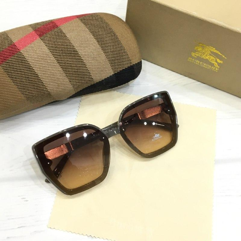 Жіночі сонцезахисні окуляри Burberry репліка коричневі