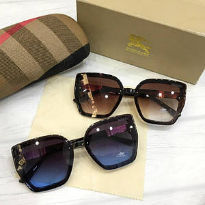 Женские солнцезащитные очки Burberry реплика синие с градиентом