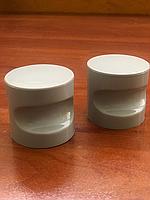 Накладная пластиковая ручка ( комплект из 2 ручек) для сантехнической двери серая