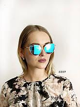 Сонцезахисні окуляри, колір лінз блакитний