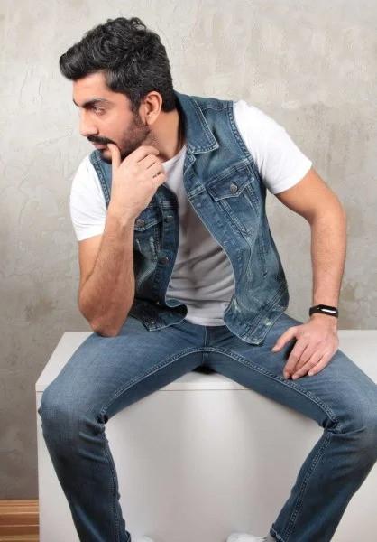 Мужская джинсовая жилетка (Замеры и больше фото в живую предоставляем)