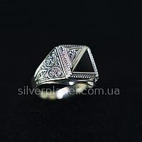 Красивая Мужская серебряная печатка. Перстень из серебра с камнем
