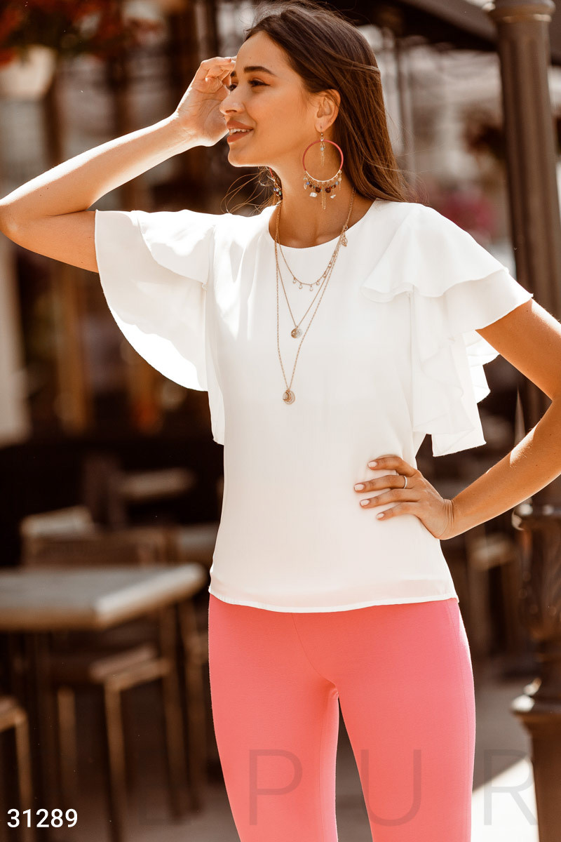Шифонова блуза з воланами на рукавах біла