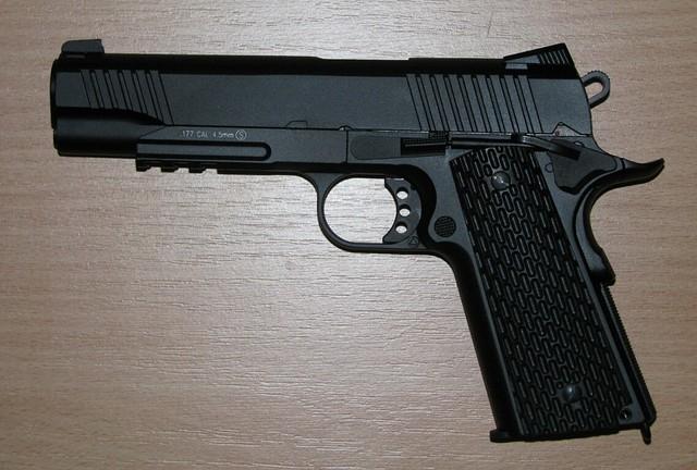 Пневматический пистолет кольт KWC KMB77