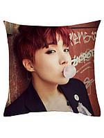Подушка kpop Bts Чон Хосок / Джей-Хоуп / J-Hope двухсторонняя 40*40 см (p0014)