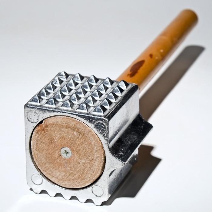 Молоток для мяса с деревянной ручкой (Empire Эмпаир Емпаєр) EM-9639