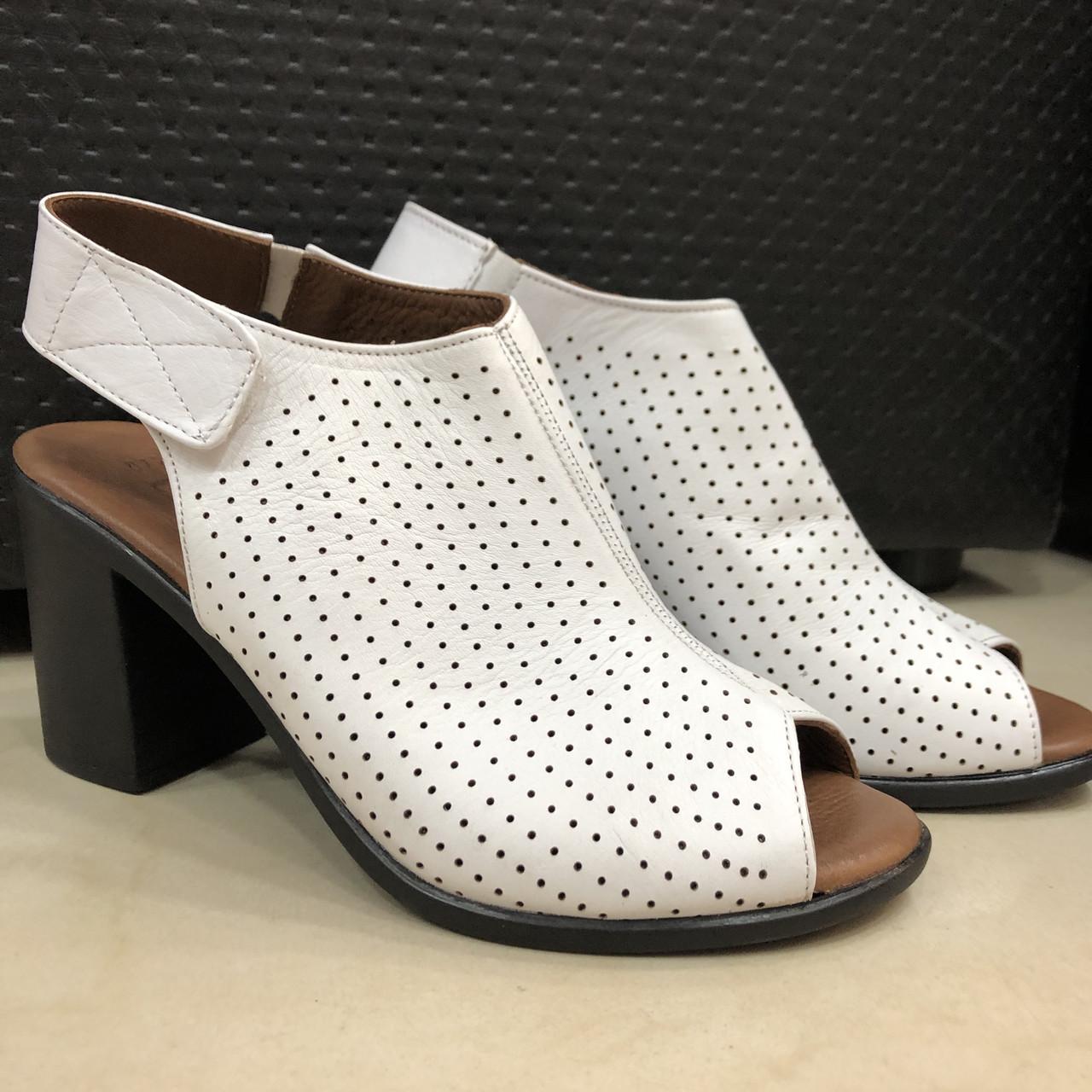 Босоножки сандалии женские кожаные белые BRENDA