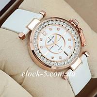 Женские часы белый ремешок