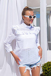 Однотонная блузка из прошвы