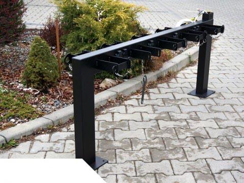 Парковка на 10 електричних самокатів Krosstech Польща