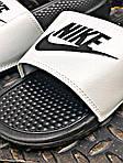 Мужские массажные шлепанцы на лето Nike Benassi (черно-белые) 201, фото 3