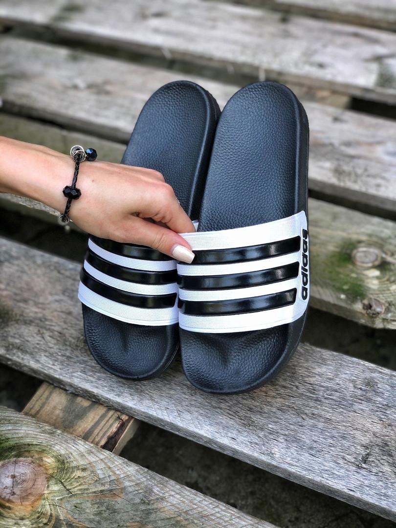 Мужские летние шлепанцы Adidas (черно-белые) 207