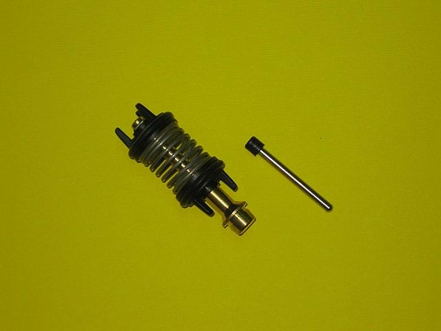 Шток трехходового клапана с пружиной 65105144 Ariston Uno