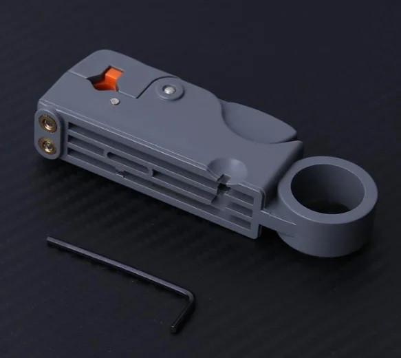 Многофункциональный инструмент для зачистки кабеля