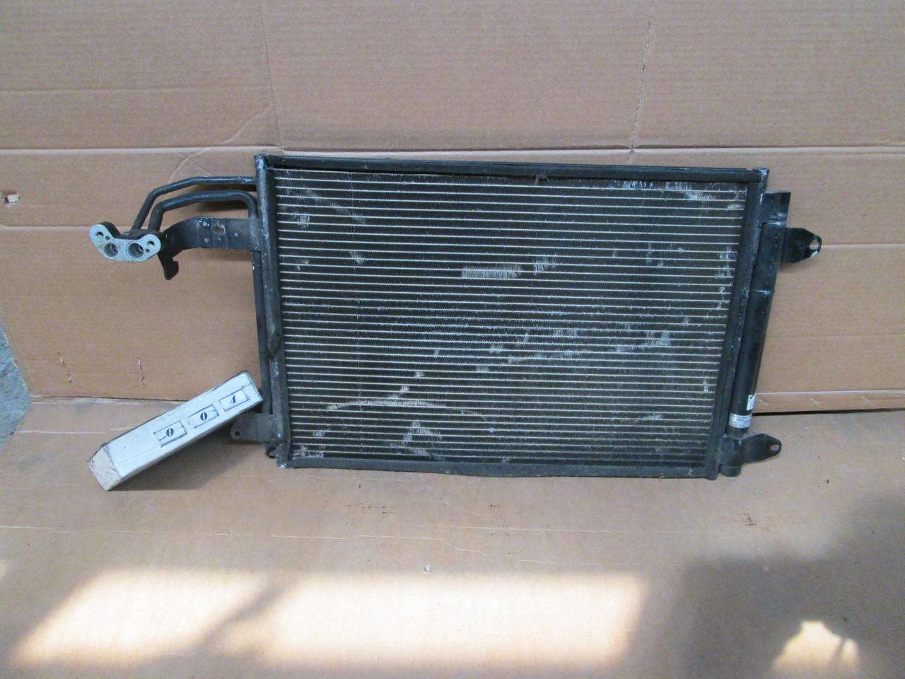 №4 Б/у радиатор кондиционера 1K0298403 для VW Golf V Caddy 2003-2009