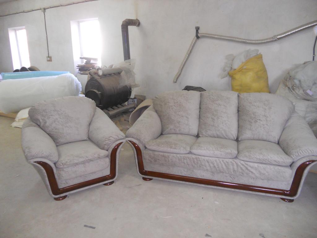 Перетяжка імпортних меблів 2