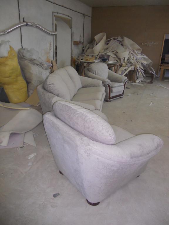 Перетяжка імпортних меблів 5