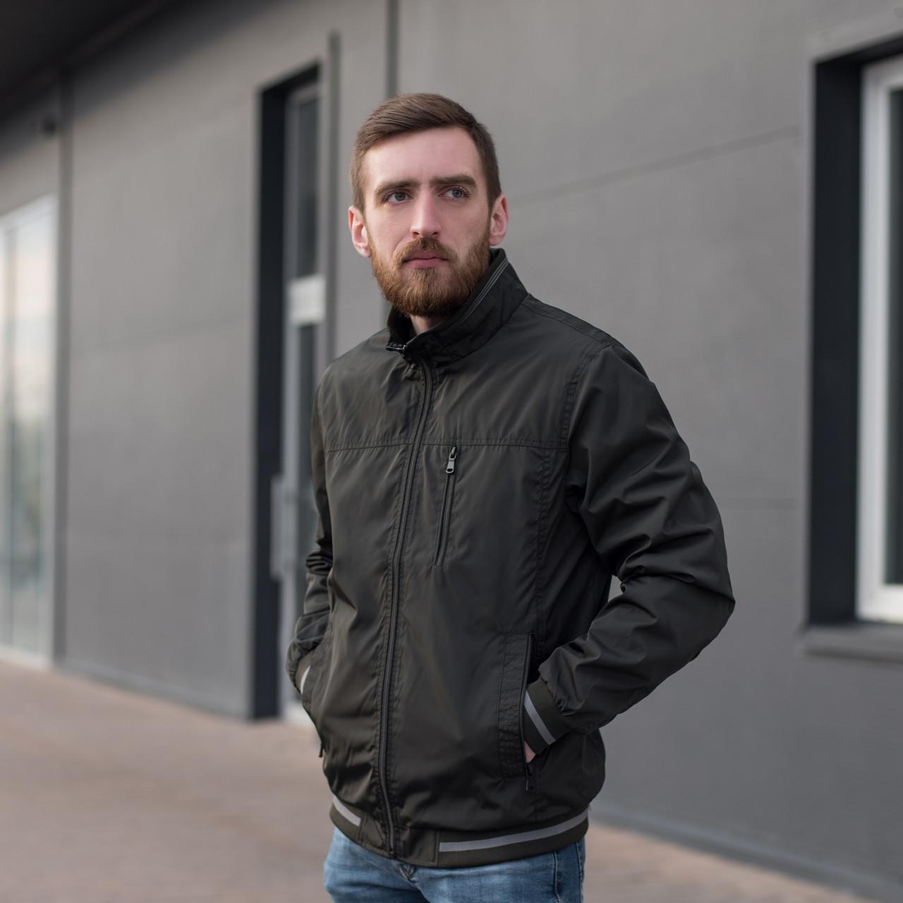 Чоловіча куртка (вітрівка) кольору хакі. Великого розміру