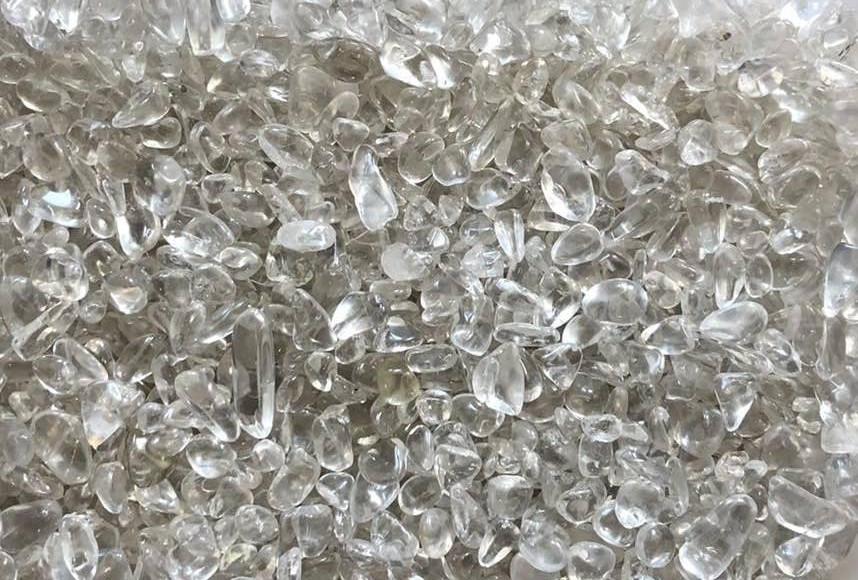 Натуральный камень крошка Горный хрусталь полупрозрачный 4-10 мм 10 грамм Камінь прозорий кришталь гірськи