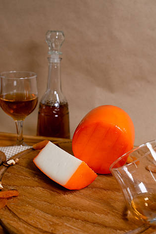 Zinka козиний сир напівтвердий середньої зрілості /головка 600g/, фото 2