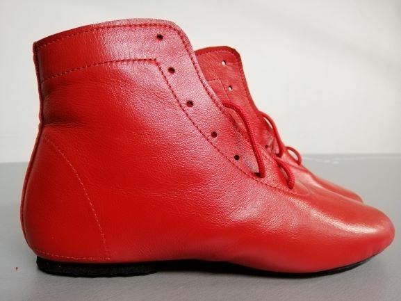 Високі шкіряні джазовки на шнурках червоні